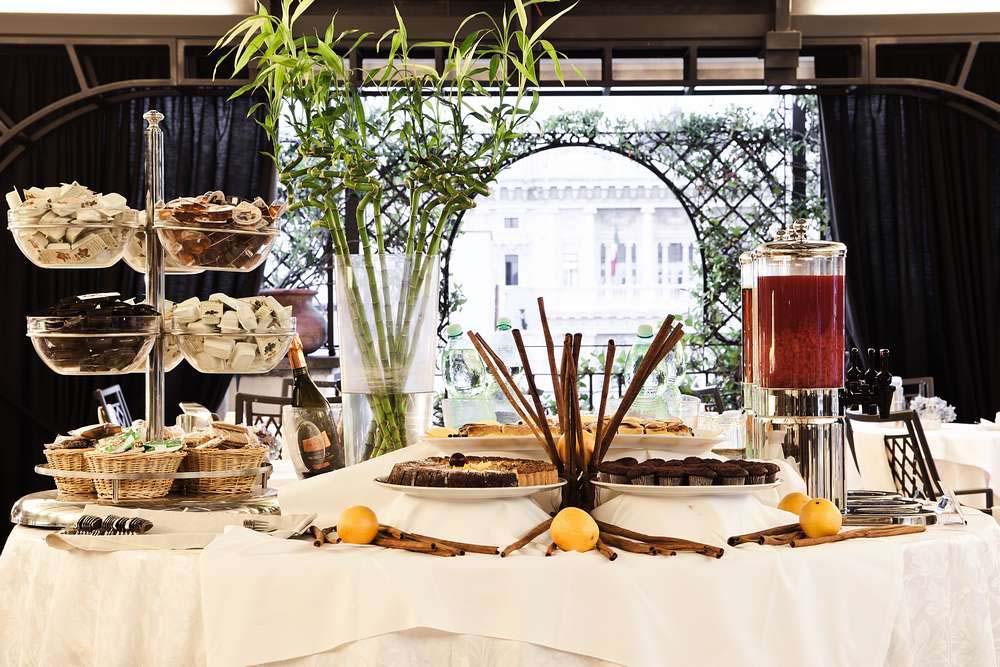 colazione-terrazza-panoramica-design-hotel-roma