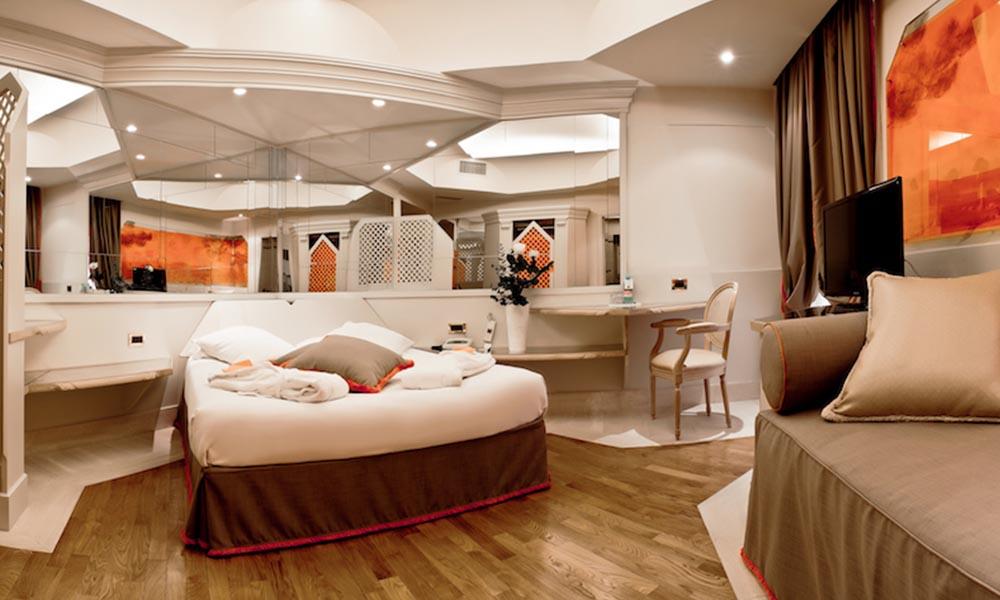 Superior room hotel isa for Isa design hotel